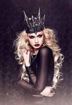 6788856b855aeab99306173de8ac2177--dark-queen-ice-queen